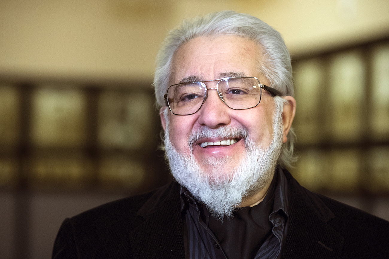 """Director Lev Dodin before a rehearsal of the play """"The Cherry Orchard,"""" featured in the Competition at the Golden Mask performing arts festival, on the stage of the Chekhov Moscow Art Theater. Source: Vladimir Pesnya/RIA Novosti"""