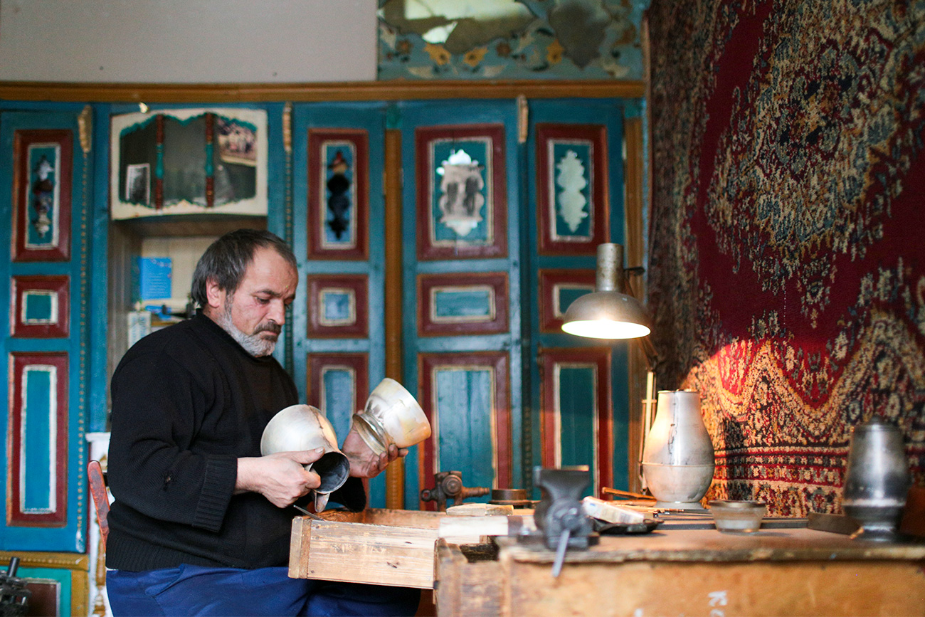 The goods produced by Kubachi craftsmen are popular across Dagestan and neighboring regions.