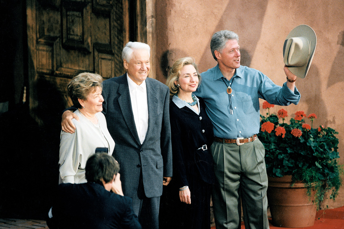 L-R: Naina and Boris Yeltsin, Hillary and Bill Clinton during the G-8 summit in Denver.