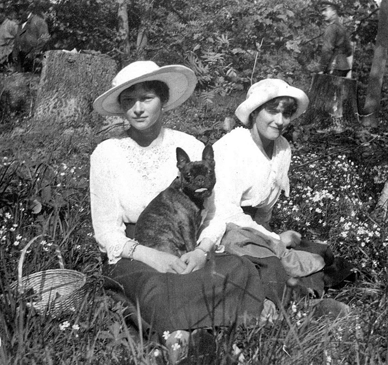 Princess Tatyana and Anastasia taking a rest in Alexander Palace garden. Tatyana is holding her favorite French bulldog Ortino. After the murder of the Romanov family, Ortino was killed by Grigory Nikulin and Alexei Kabanov.