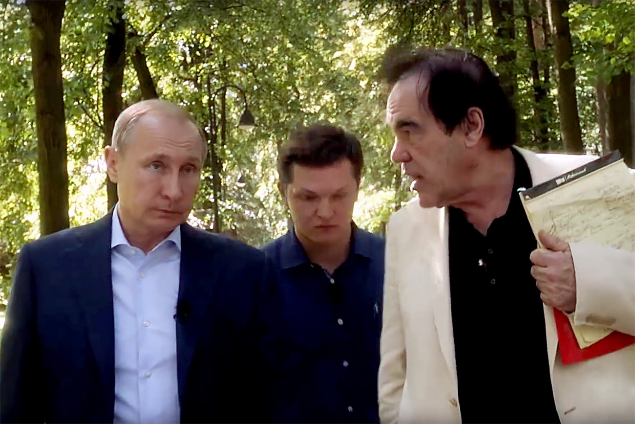 Vladimir Putin in Oliver Stone. Vir: SHOWTIME/YouTube