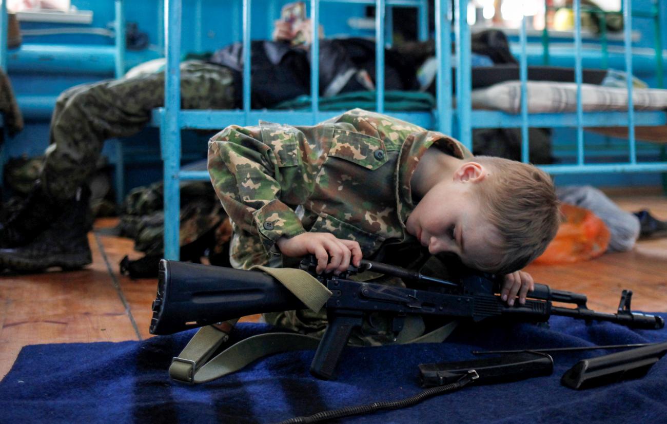 Jeden Tag zu einer bestimmten Zeit müssen die Kadetten ihre Waffen säubern und warten.