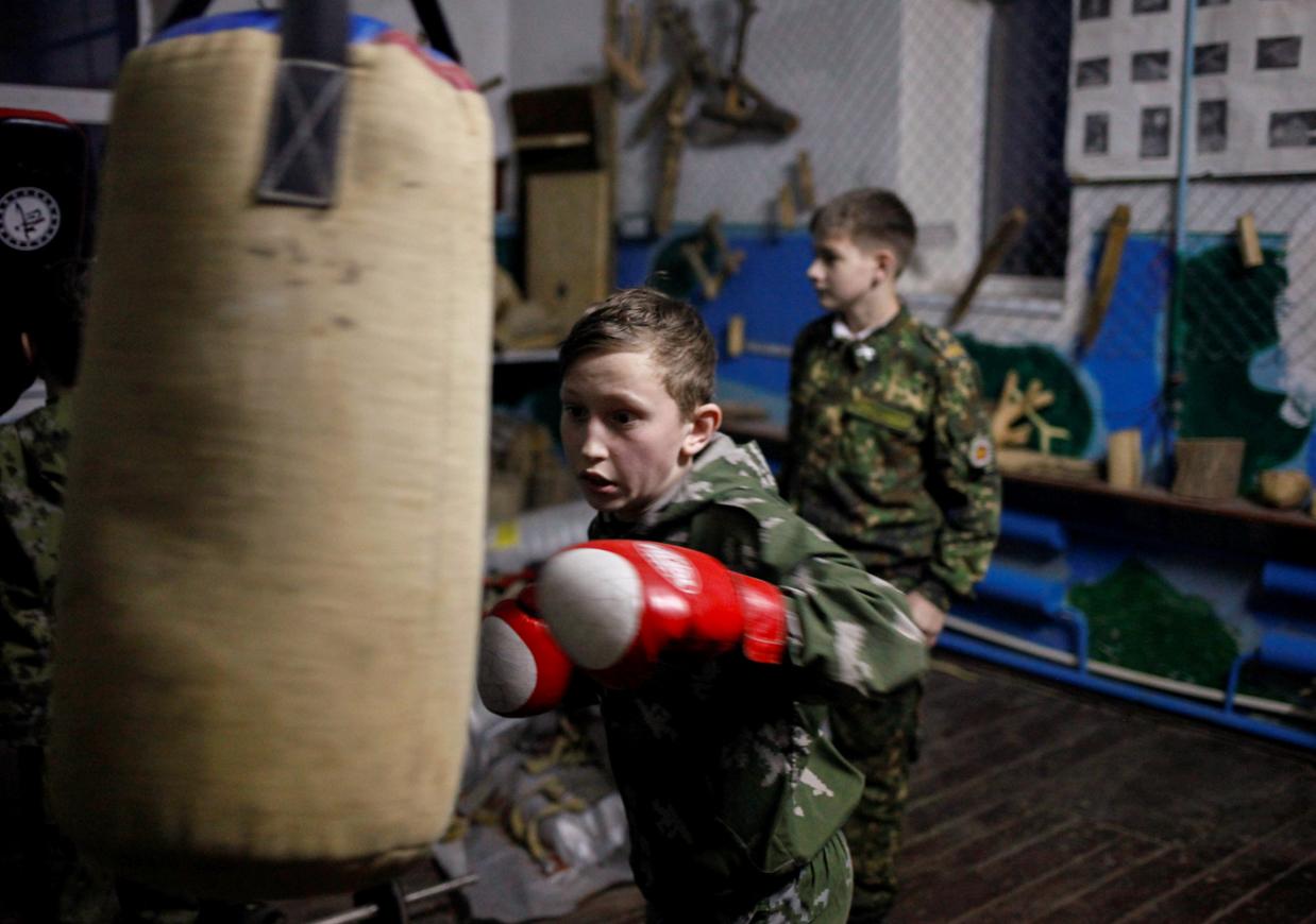 Leibesübungen gibt es täglich, Boxen zum Beispiel oder Ringkampf.