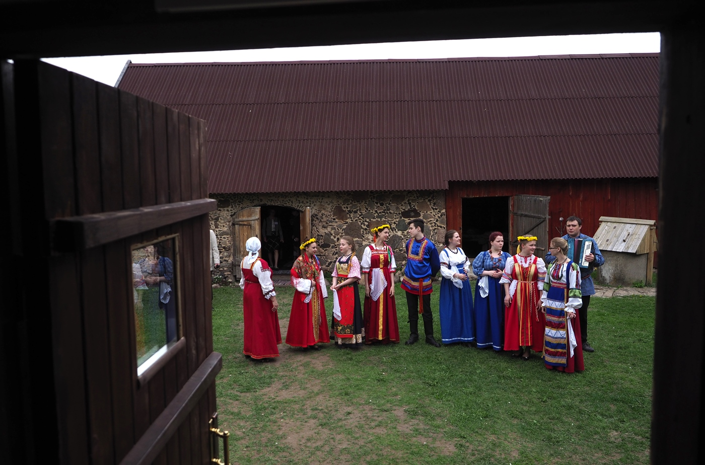 Seto Finno-Ugric people getting ready for the guests.\n