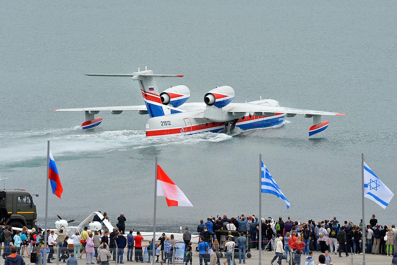 Argentina adquirirá tres aviones anfibios rusos Be-200.