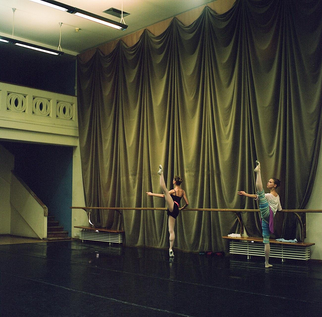 Il Teatro Boshoj, fondato nel 1776, porta in scena i grandi classici del balletto, come lo Schiaccianoci e Il lago dei cigni