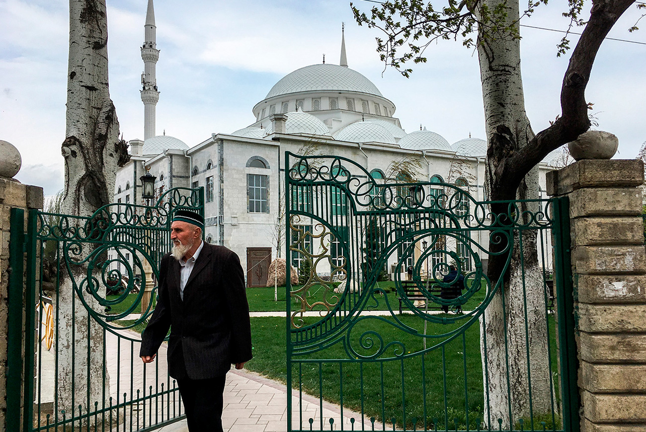 "But the city's main attraction is the younger sister of Istanbul's Blue Mosque - the Juma Mosque of Makhachkala, which holds up to 16,000 worshippers. ""Friday prayers at the Juma Mosque are accompanied by endless human flows and huge traffic jams; at the same time, the city is like a nature reserve in which 1980s-type Soviet intellectuals have been miraculously preserved,"" says guide and Caucasian culture expert Vladimir Sevrinovsky."