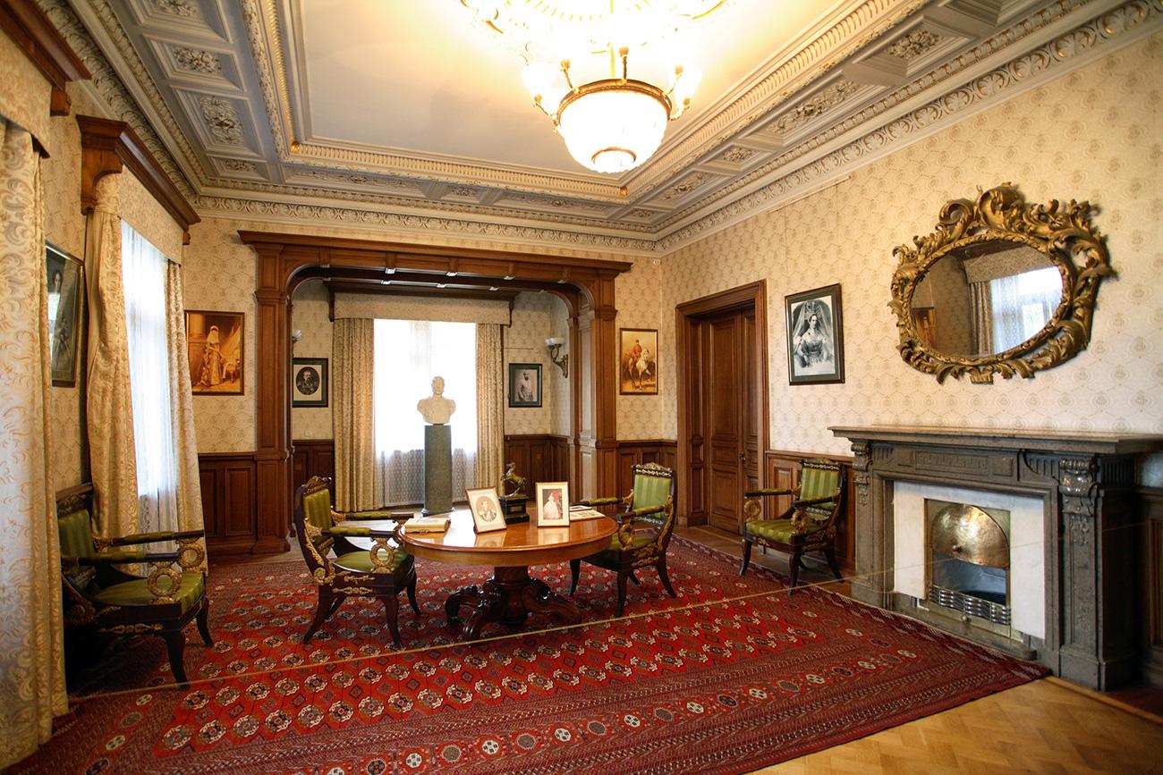 The cabinet of Alexander III. / Global Look Press
