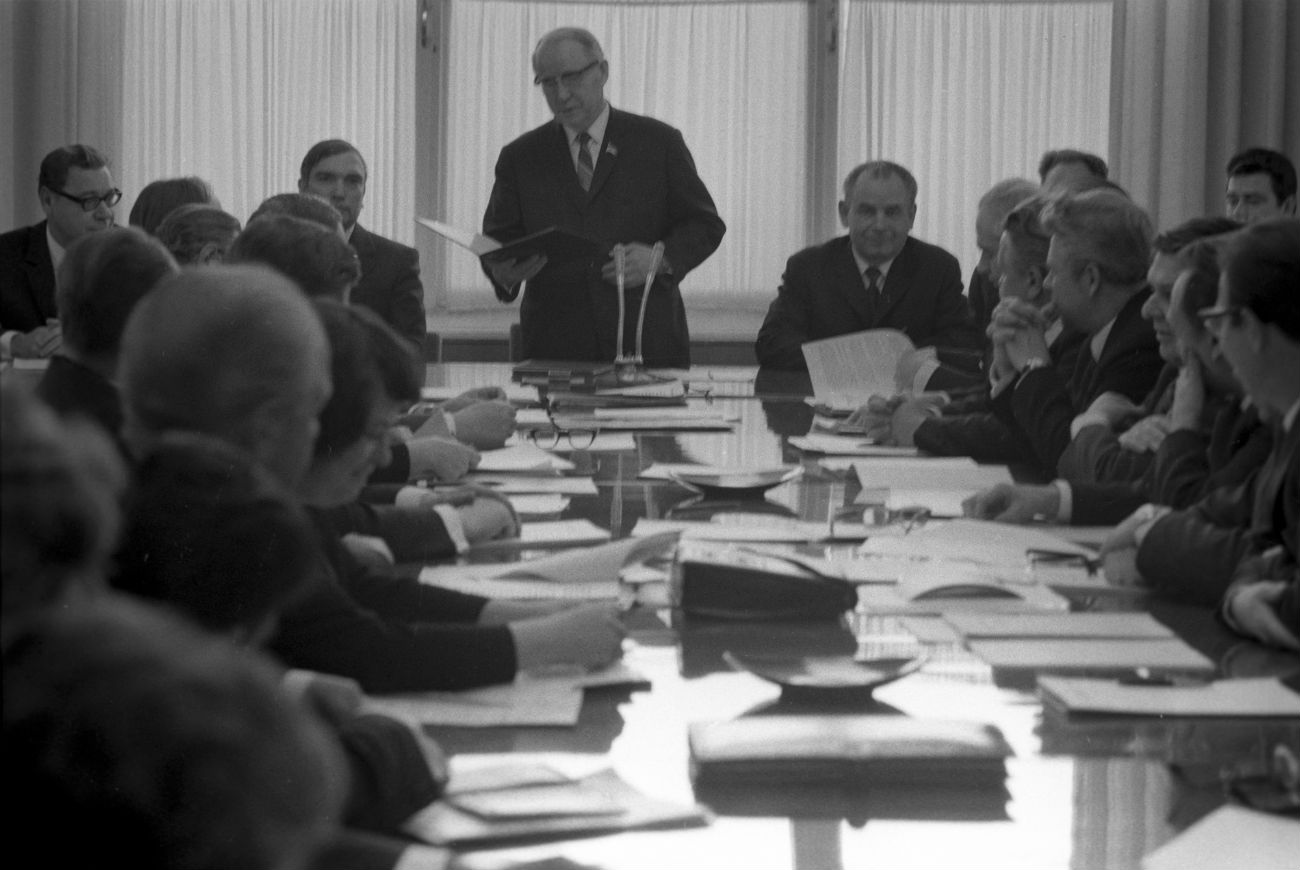 State Committee for Television and Radio Broadcasting of the USSR Chairman Sergey Lapin during a TV management meeting, 1973.