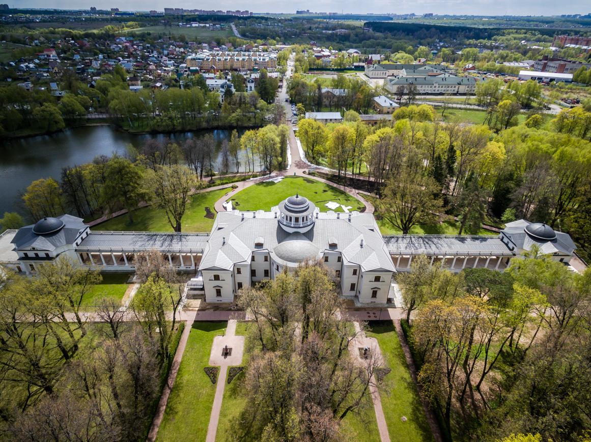 Atualmente um museu, Propriedade de Ostafievo foi um lugar de recreação para o Conselho de Ministros da URSS entre 1947 e 1988 (Foto: Vadim Razumov)