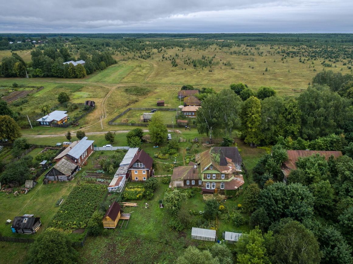 A Propriedade Mekhovitsi, na região de Ivanovo, foi construída no século 19. Devido ao bom estado de conservação, está atualmente à venda por quase 10 milhões de rublos (Foto: Vadim Razumov)