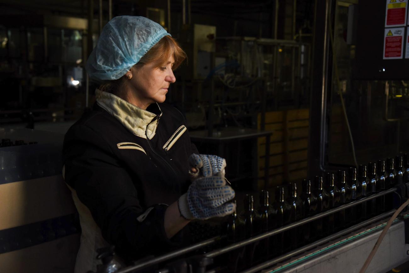 En 2004, le vignoble a lancé la production de sa propre céramique. Les contenants en argile pour le vin et les liqueurs sont faits à la main et ressemblent aux amphores antiques retrouvées lors de fouilles à Phanagoria.
