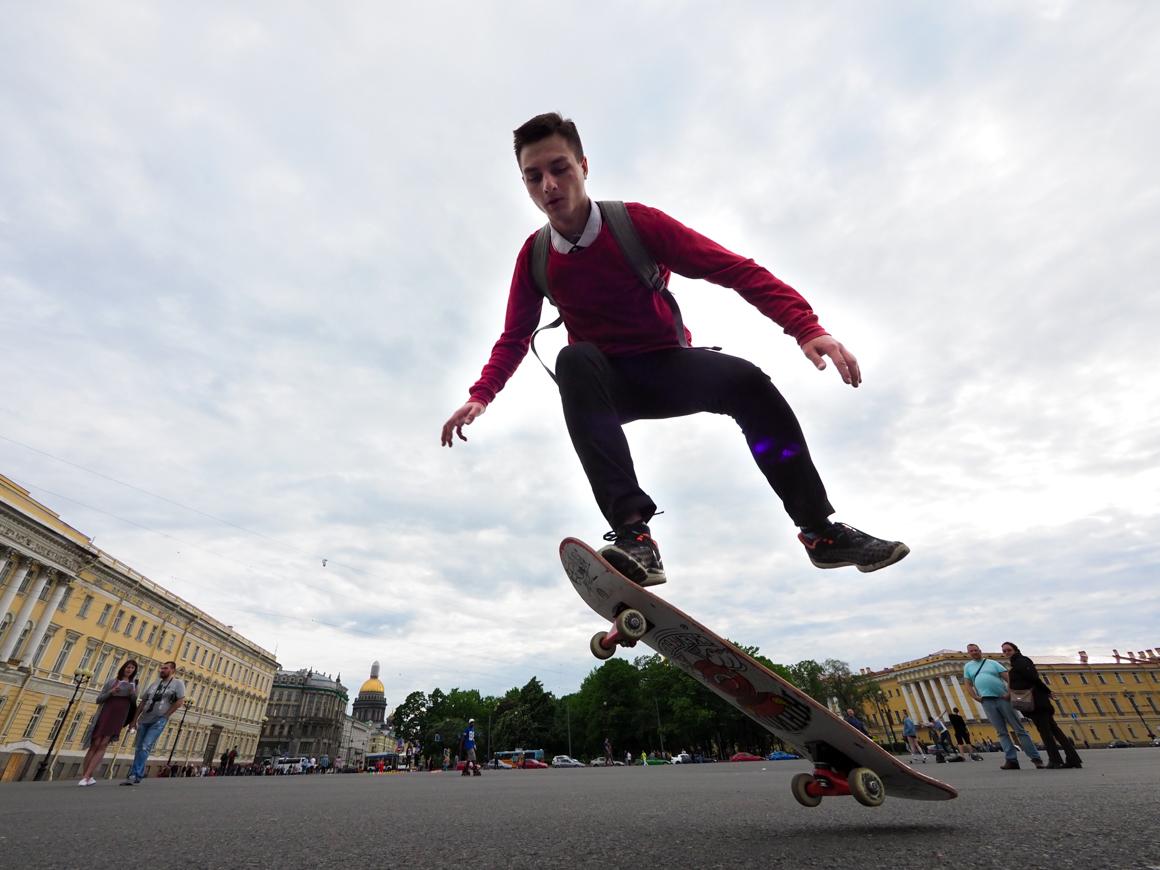 Skateboarding on the Palace Square of St. Petersburg. Source: Ruslan Shamukov