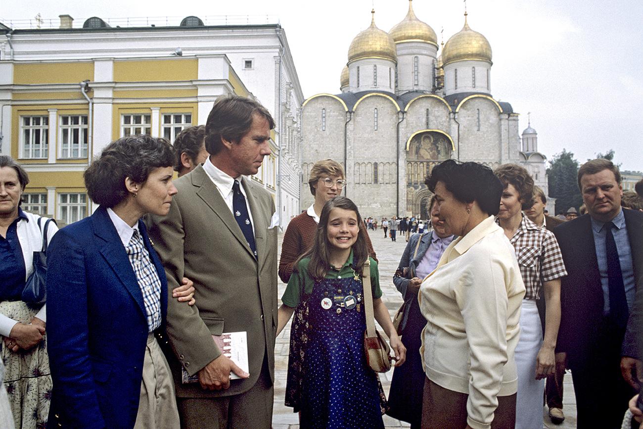 No dia 7 de julho de 1983, Samantha voou até Moscou com sua família e passou duas semanas na Rússia.