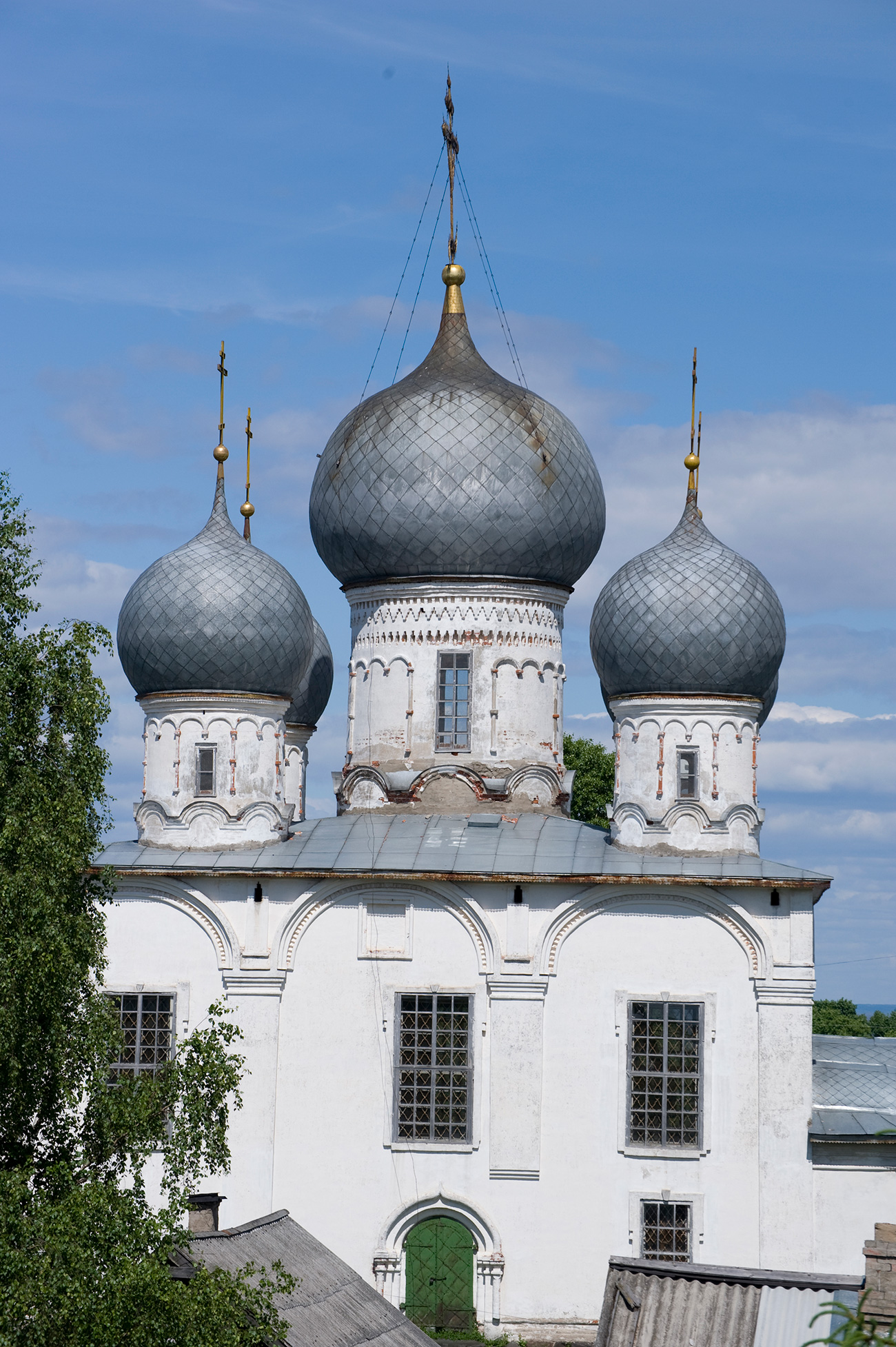 Cathedral of Transfiguration, south facade from south rampart of kremlin. June 9, 2010. / William Brumfield