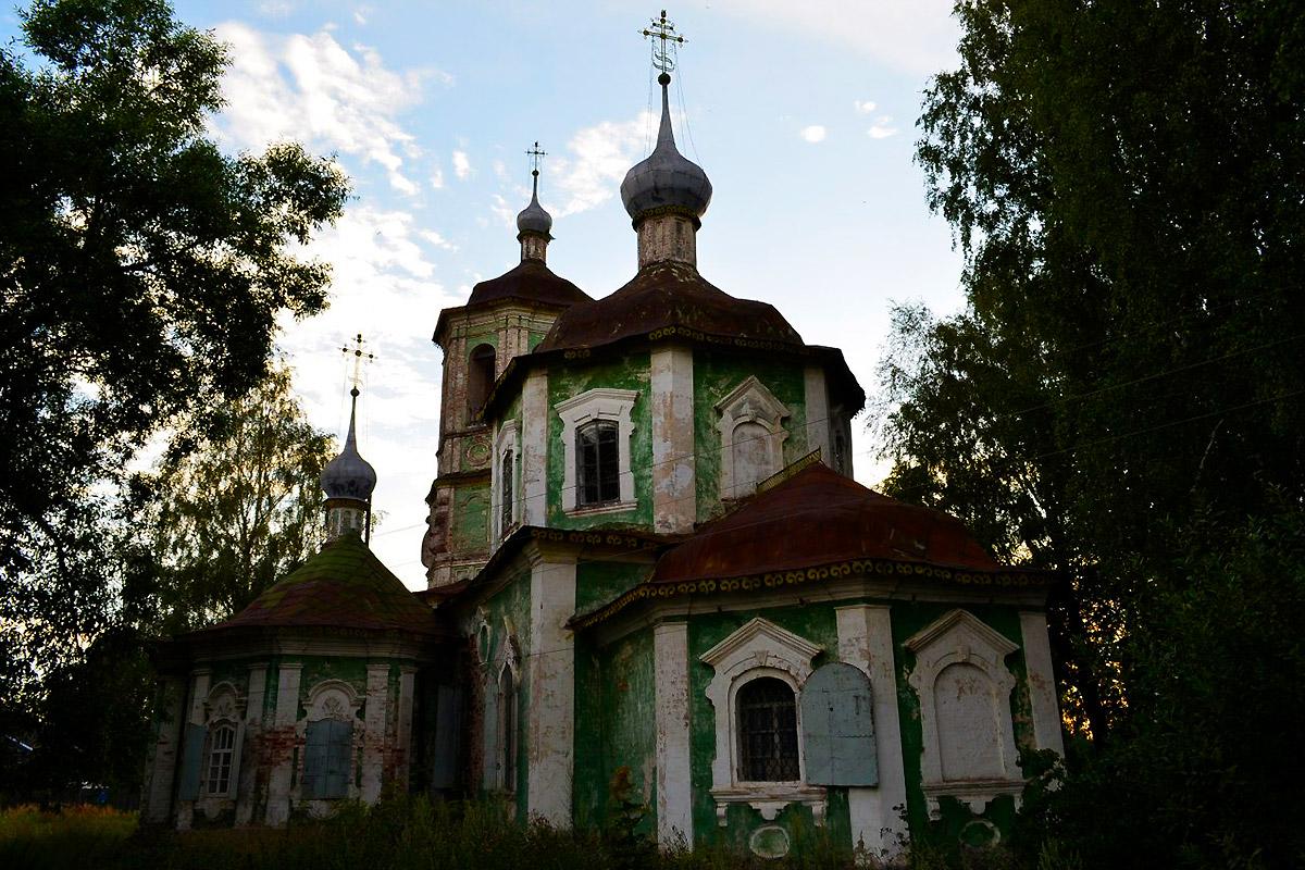 Црква Рођења Пресвете Богородице. У Торопцу је пре револуције 1917. године било преко 50 цркава, а данас је остало само 12. Извор: Пеги Лозе