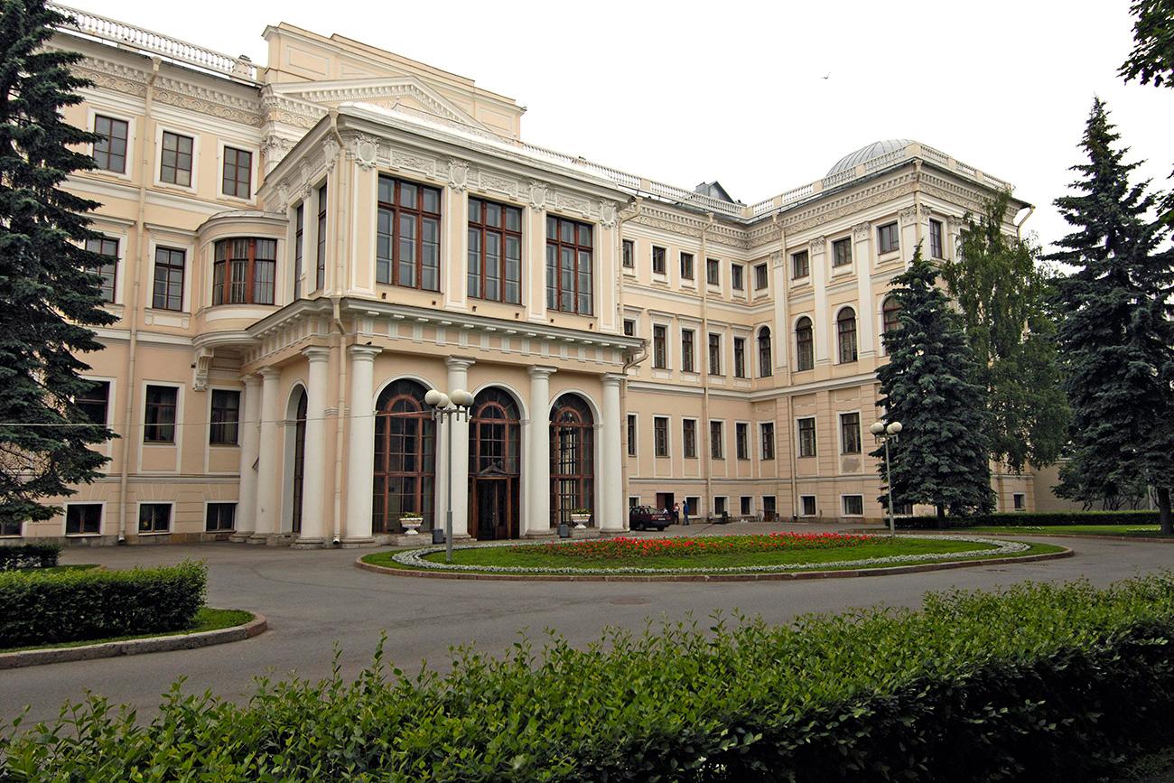 Palácio Anitchkov, em São Petersburgo (Foto: Iúri Belinski/TASS)