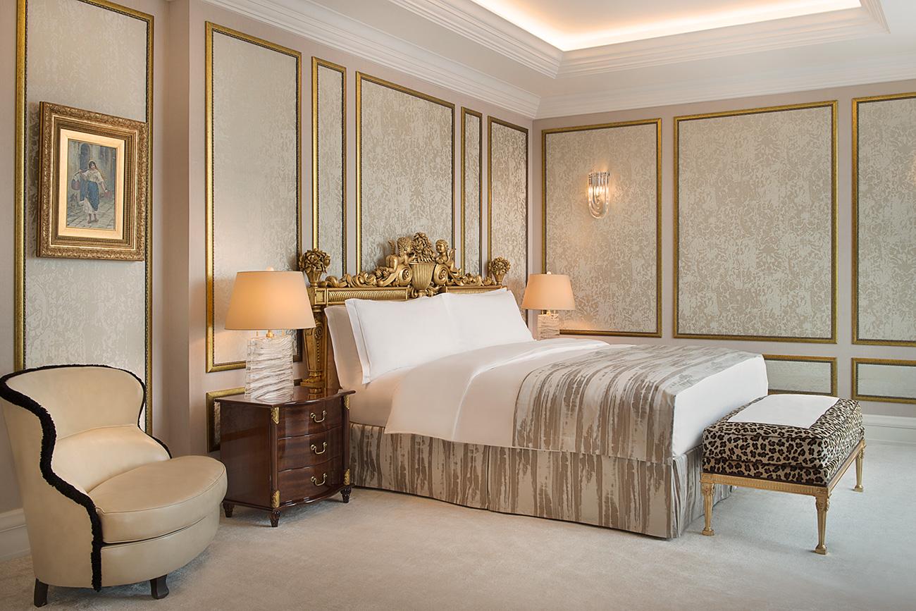 ベッドルーム=The Ritz-Carlton Moscow