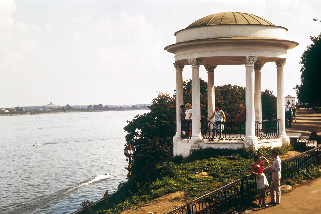 The embankment of the Volga river in Yaroslavl, 1973
