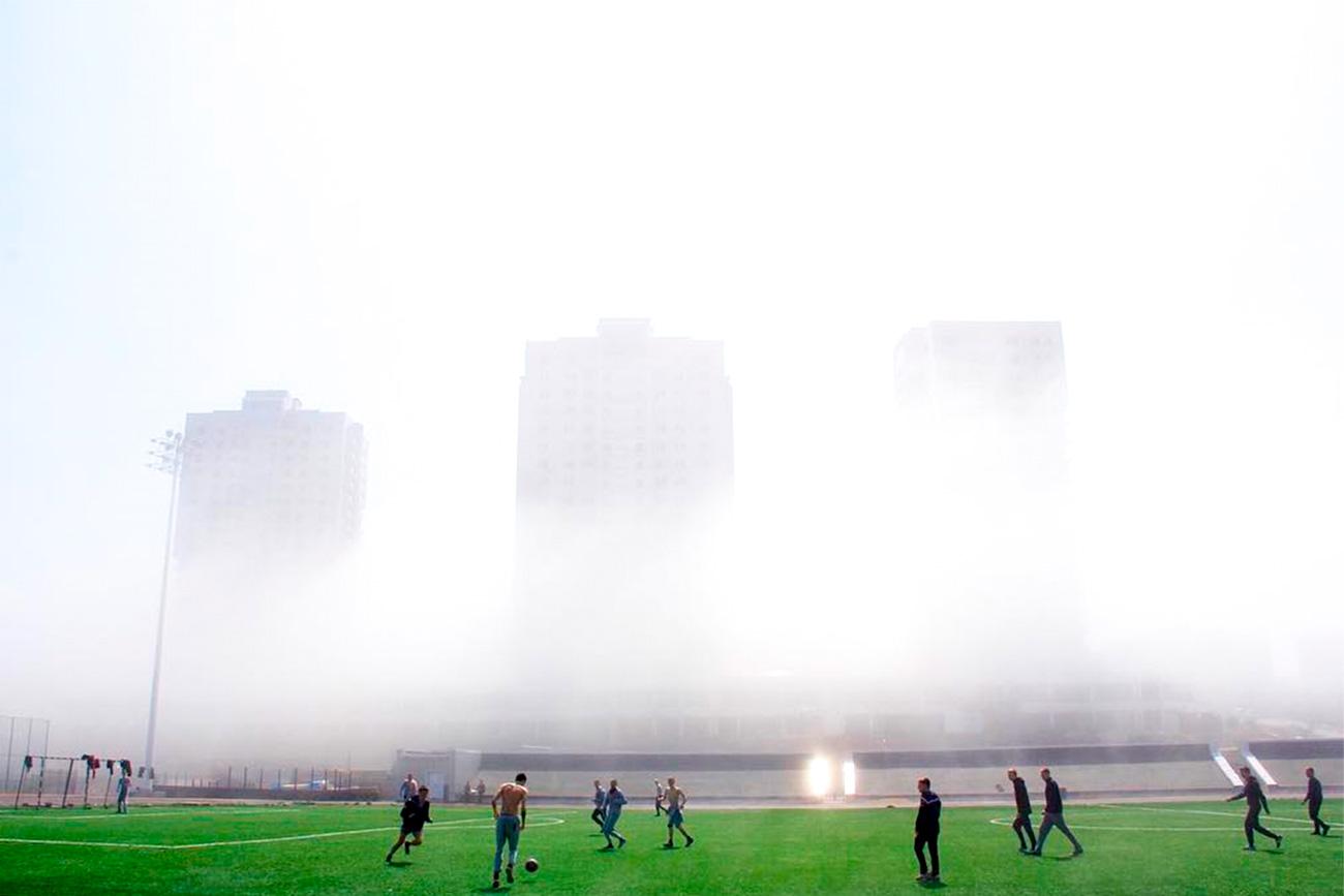 Фактот дека стадионот се уште не е готов не ги спречува професионалните спортисти – екипите од Владивисток веќе го користат фудбалскиот терен за тренинзи.