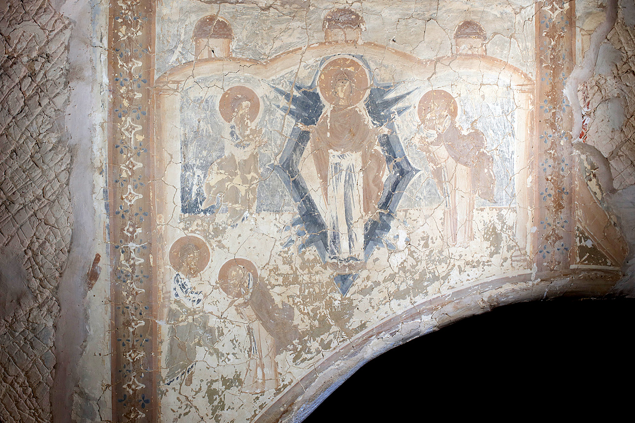 But Russia is home to one famous individual who helped preserve several antique buildings and art works, giving us a glimpse into how they looked before time took its toll. // Frescoof Meletovo church