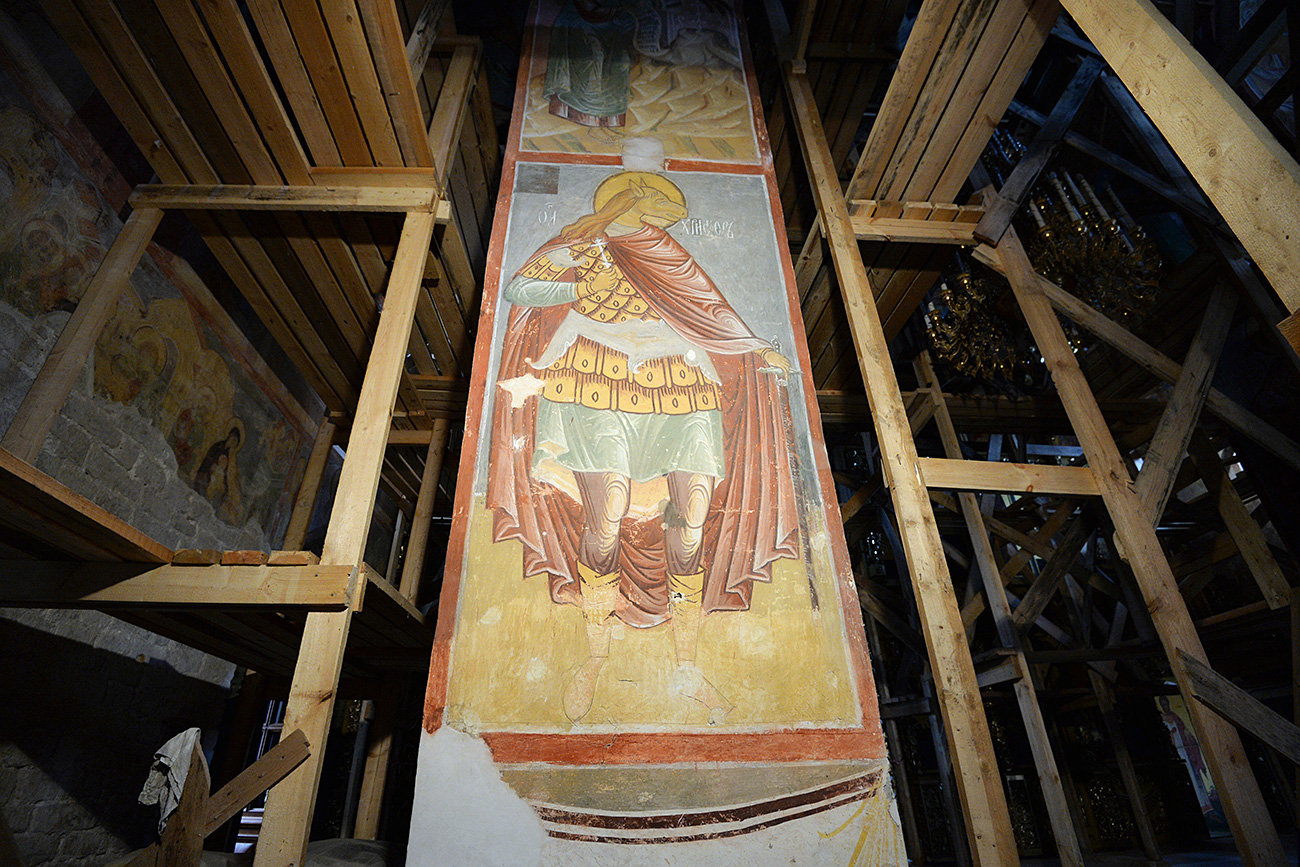 The fresco 'St. Christopher' in the Assumption Cathedral in Sviyazhsk. / Maksim Bogodvid/RIA Novosti