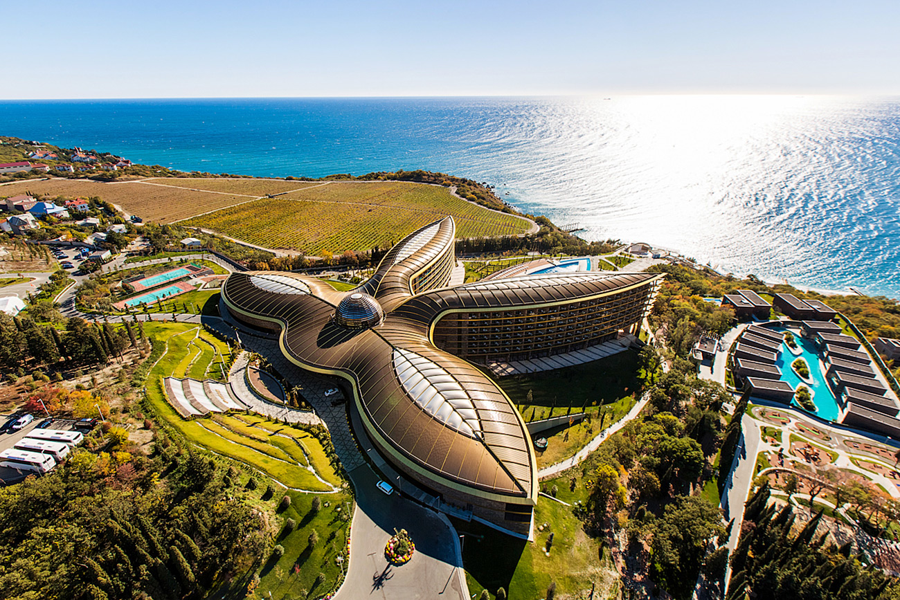 Premium class hotel complex in Crimea, by Norman Foster