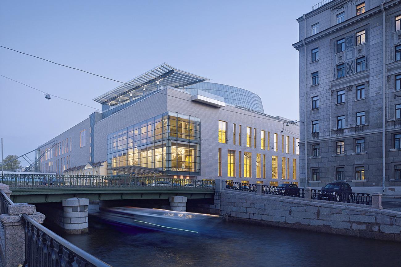 New Stage of the Mariinsky Theater on Kryukov channel in St. Petersburg\n