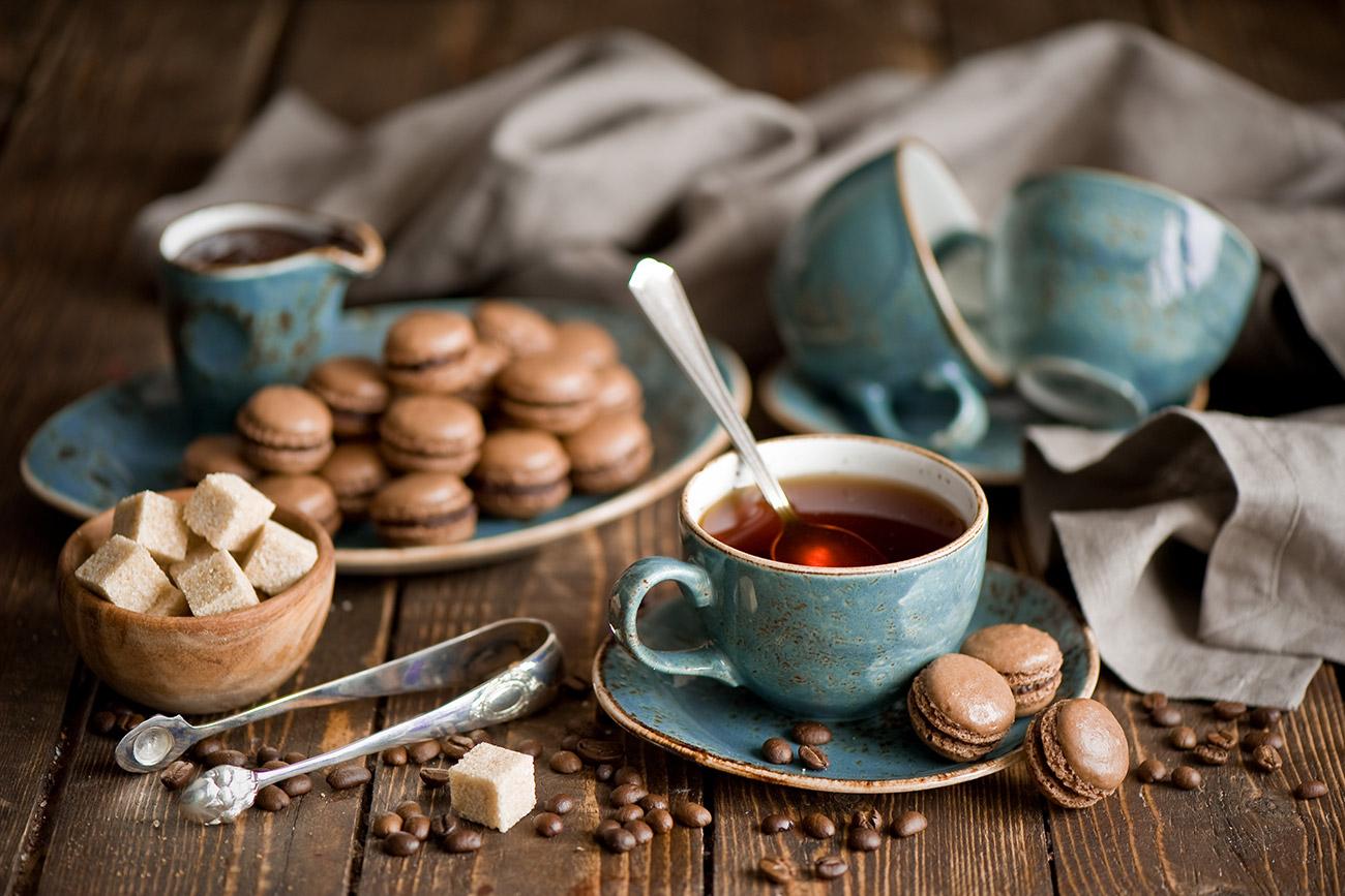Minum teh biasanya merupakan proses yang panjang. Sumber: Getty Images