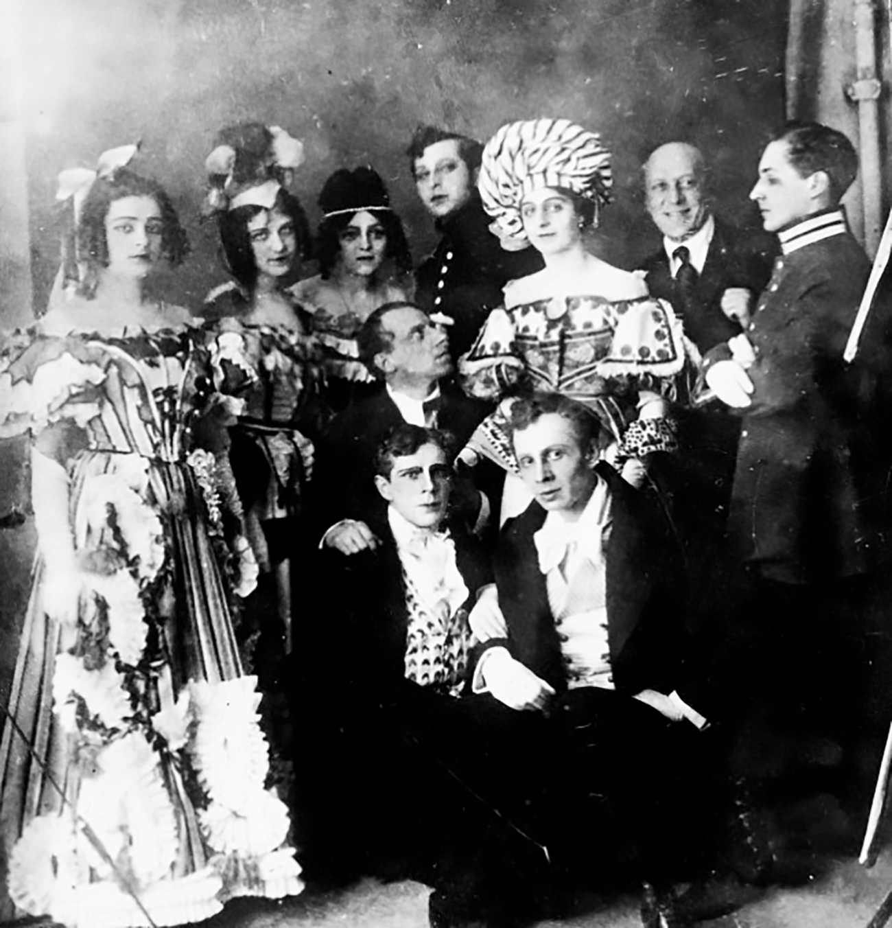 Vsevolod Meyerhold (С, looking right) with his troupe / Alexandrinsky Theatre