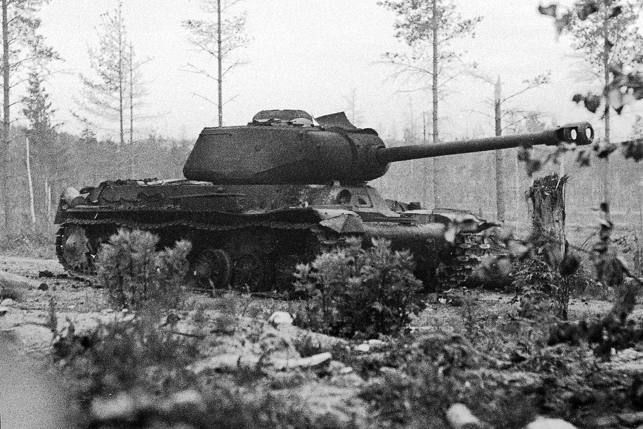 Destroyed IS-2 tank near Summa, Karelian Isthmus.
