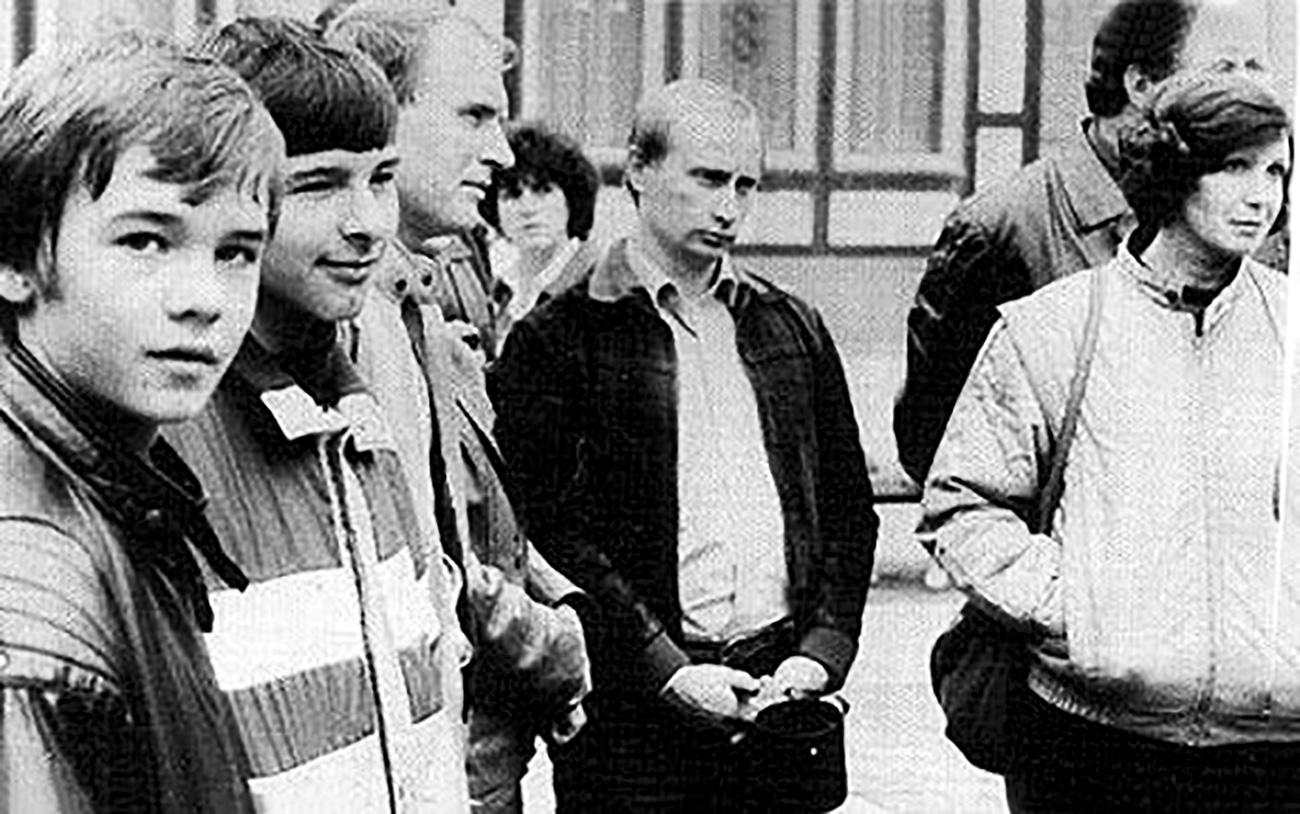 Vladimir Putin selama bekerja sebagai agen KGB di Jerman Timur.