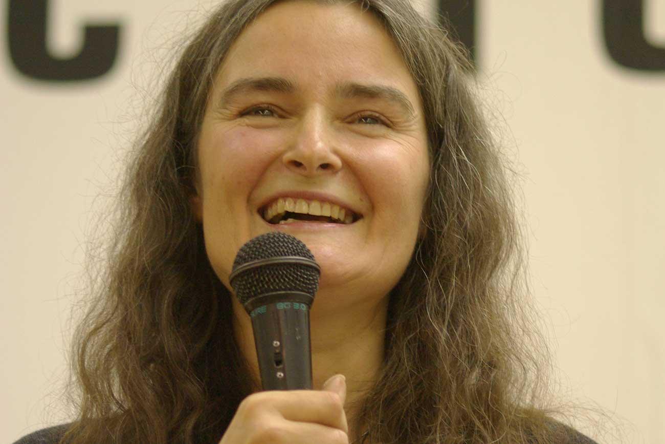 Vera Pavlova / Rodrigo Fernandez / wikipedia