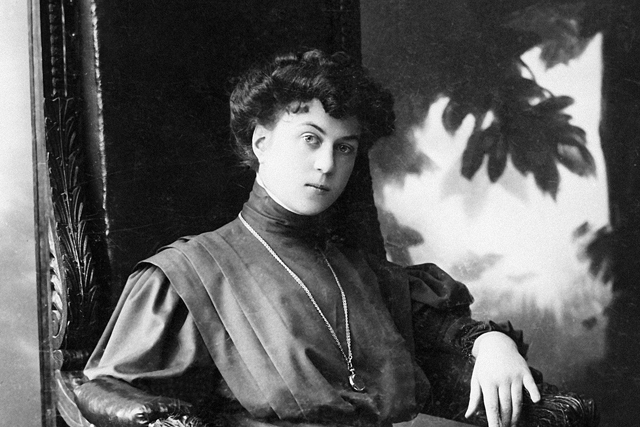 The diplomat Alexandra Kollontai. A photograph from the family archive, 1908. Reproduction.