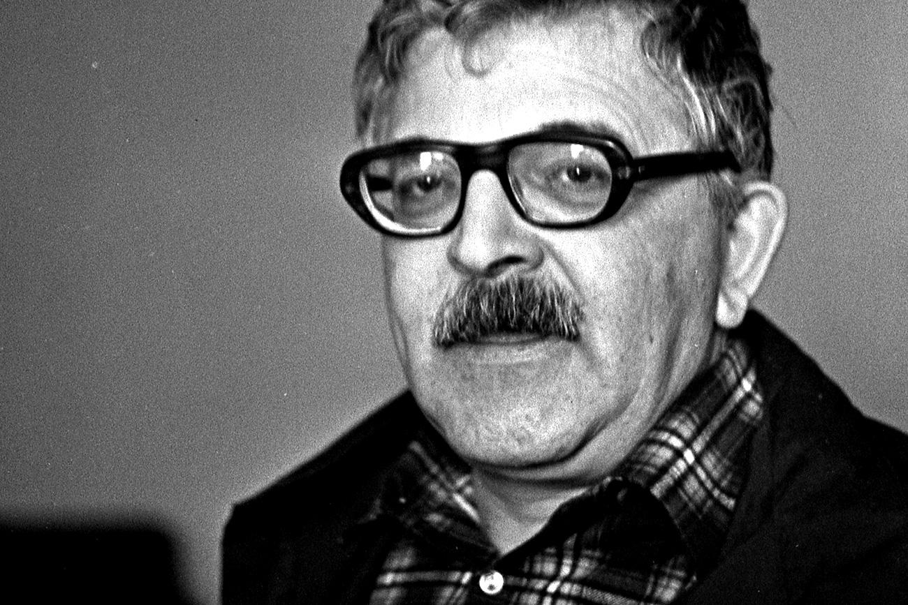 Autor znanstvenofantastične proze Arkadij Strugacki (1925.-1991.), SSSR /