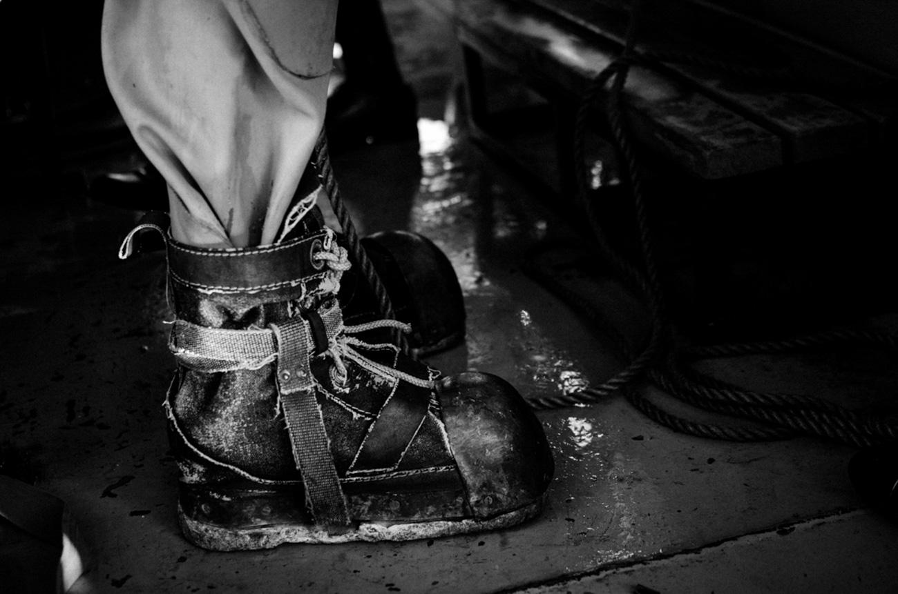 Frogman boots weigh around 21 - 23 kg. / Artem Protsyuk