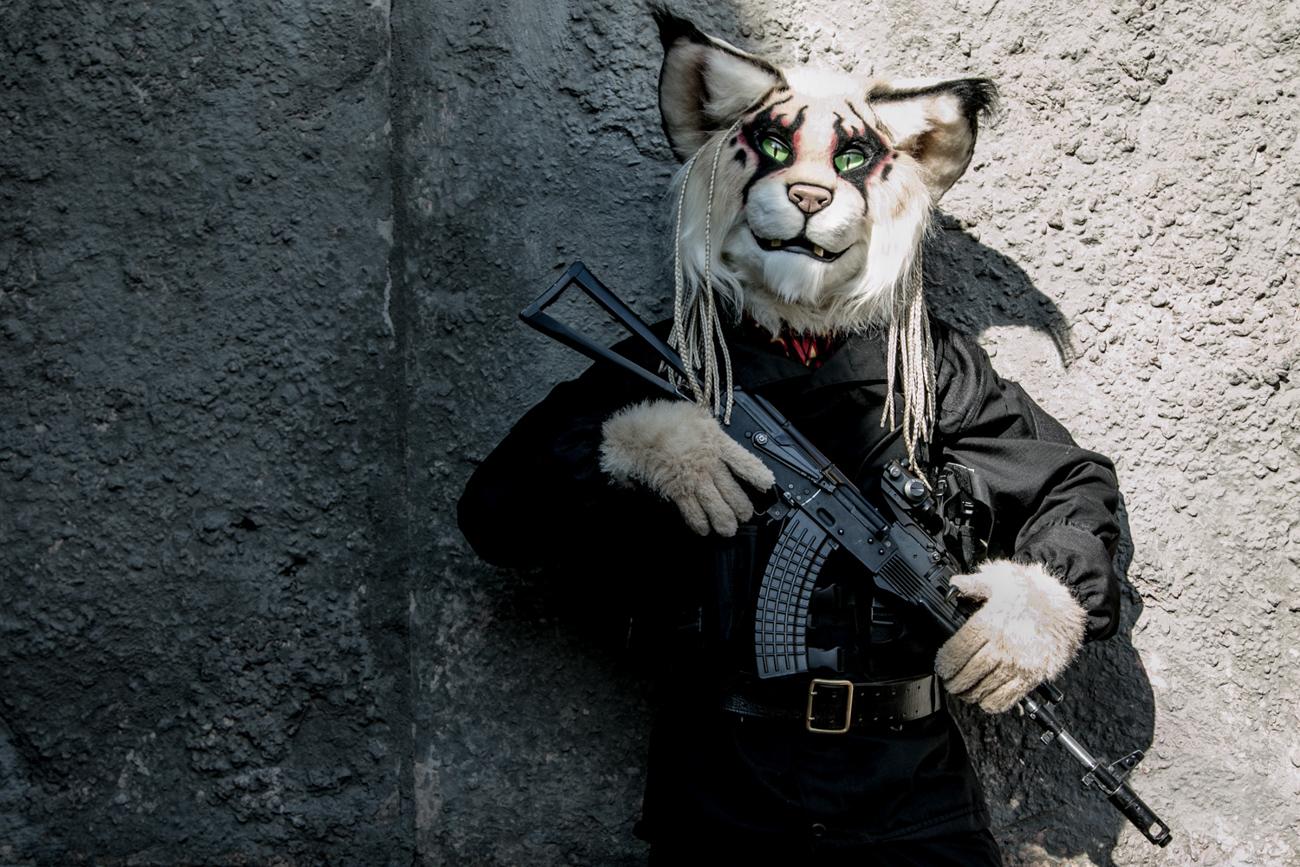 """Questo """"khajiit"""" (creature feline dall'aspetto umanoide) ha letteralmente rubato la scena durante il festival. Dietro la maschera si trova Anatolij, un giovane appassionato di fantascienza e mondi post-apocalittici"""