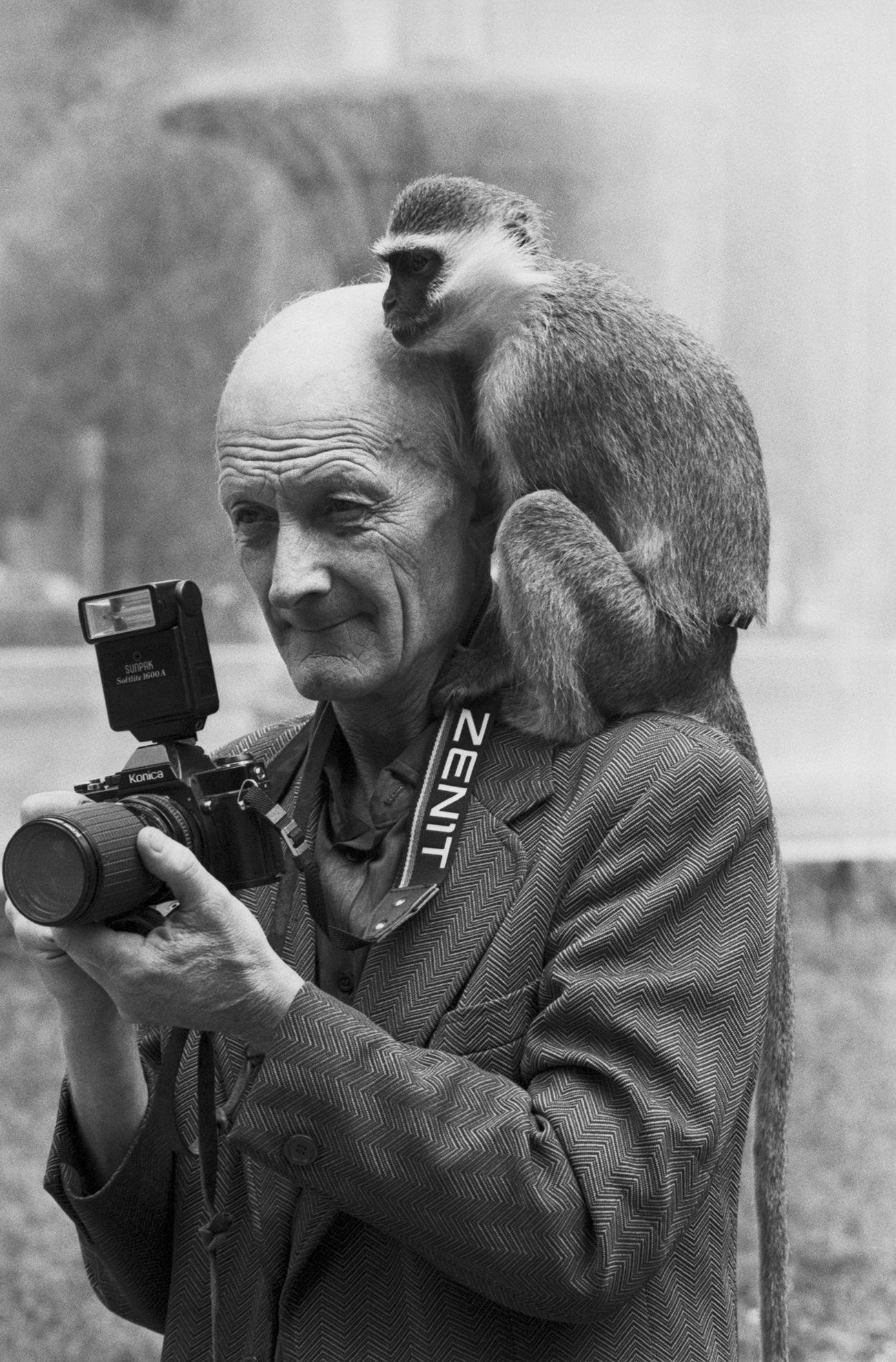Zenit se proslavio tek pojavom Zenita-E 1965. godine, pripadnika sedme generacije ovih fotoaparata.