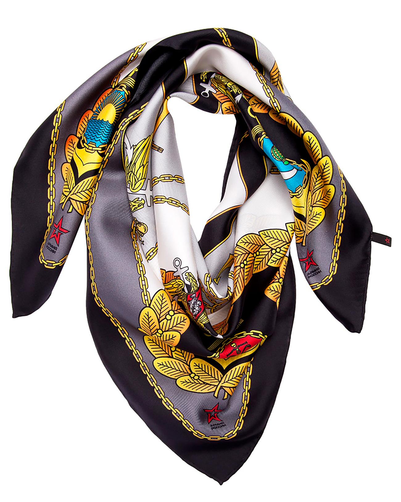 Une écharpe en soie où figurent des symboles militaires, n'est-elle pas un joli cadeau pour votre petite amie ou votre femme? Crédit: Armée de Russie/armiyarossii.ru