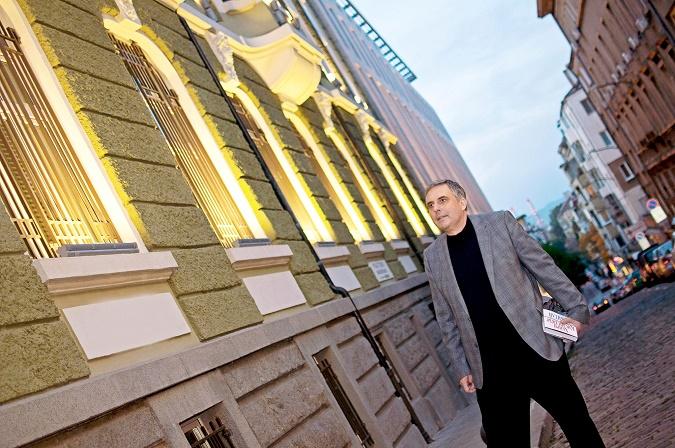 В международната политика най-важно е България да има авторитет, смята Ивайло Калфин.