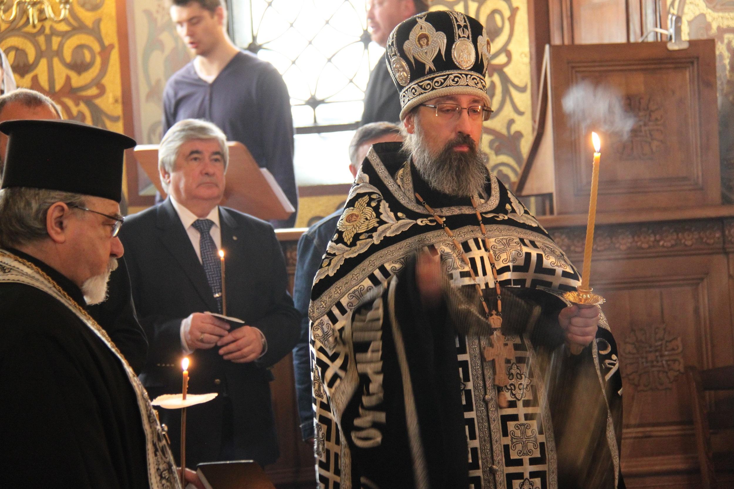 Отслужване на молебен в памет на загиналите при терористичния акт в метрото на Санкт Петербург. Снимка: Десислава Бонева