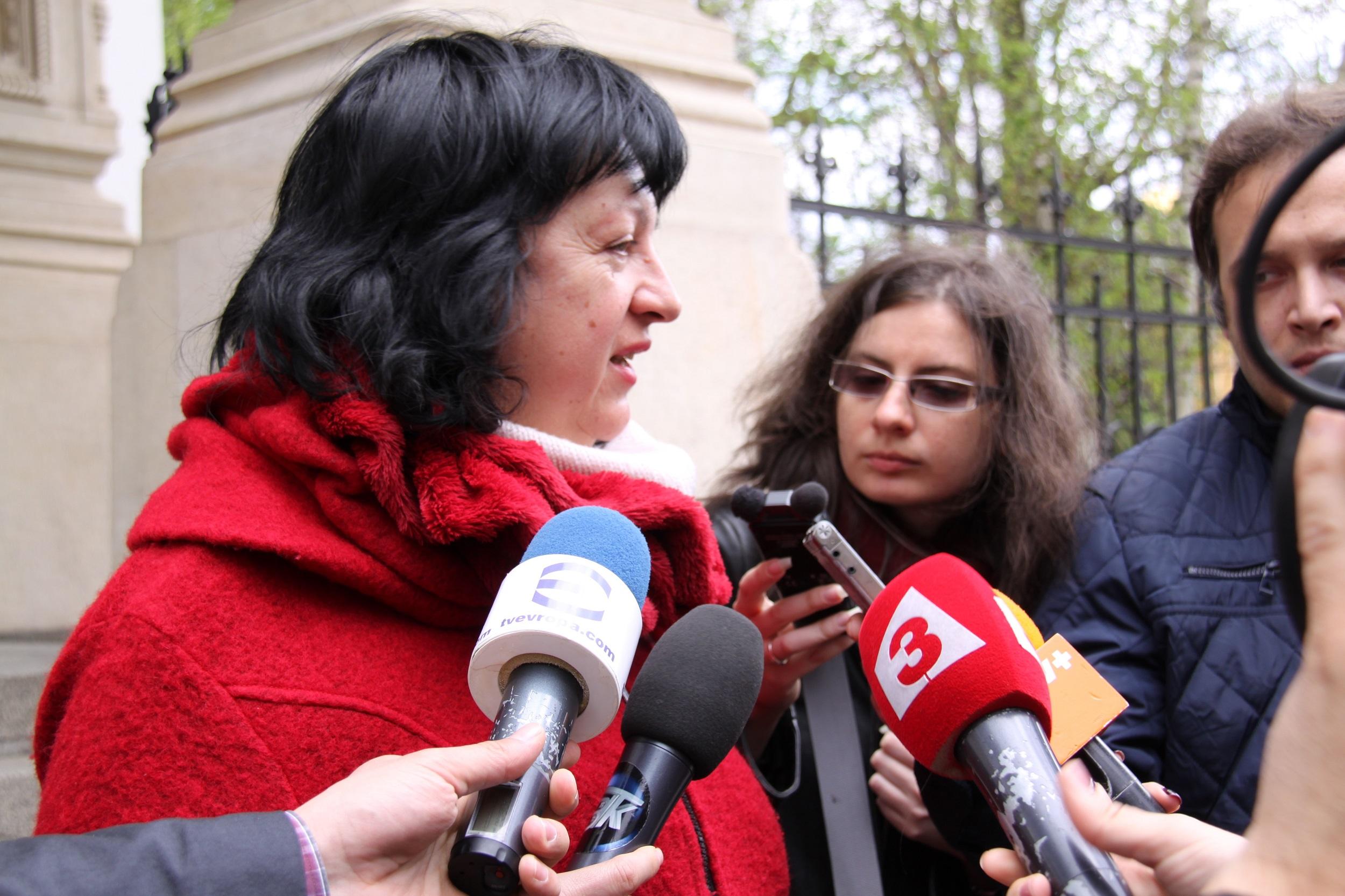 Председателят на Съюза на българските журналисти (СБЖ) Снежана Тодорова пред медиите. Снимка: Десислава Бонева
