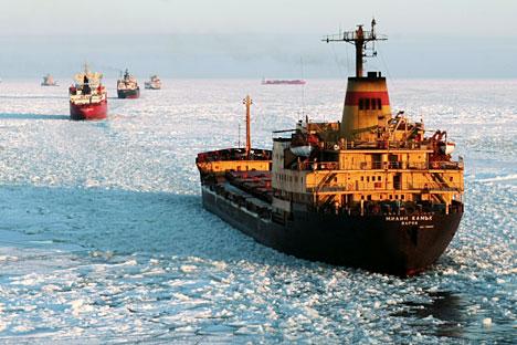 Caravana de navios russos no Ártico Foto: RIA Nóvosti