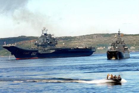 "Porta-aviões ""Almirante Kuznetsov"" Foto: ITAR-TASS"