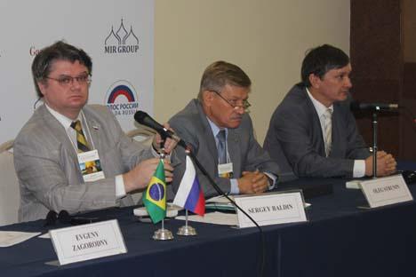 o seminário foi coordenado pelo Representante comercial da Rússia no Brasil Serguêi Báldin (à esq.) Foto: MIR media