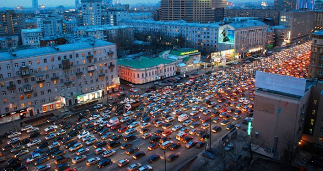 Moscow's Garden Ring often stands idle during daily rush-hour trafficPhoto by: Frederick Bernas, Flickr.com
