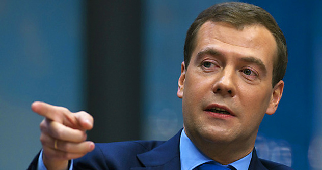Dmitrij Medwedjew zeigt wo's lang geht. Foto: RIA Novosti