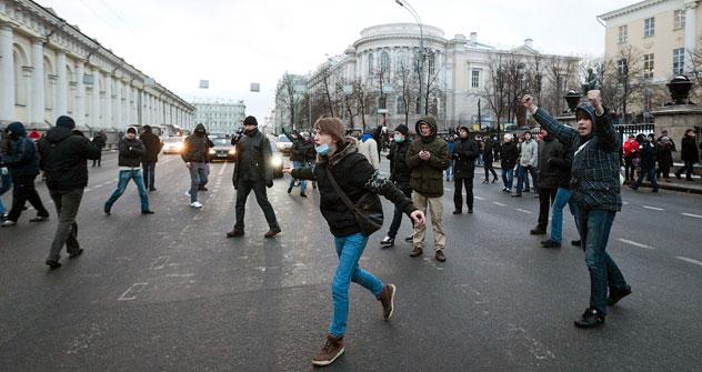 Der Zusammenprall zwischen Migranten und den Fußballhooligans war heftig. Copyright: Niyaz Karim