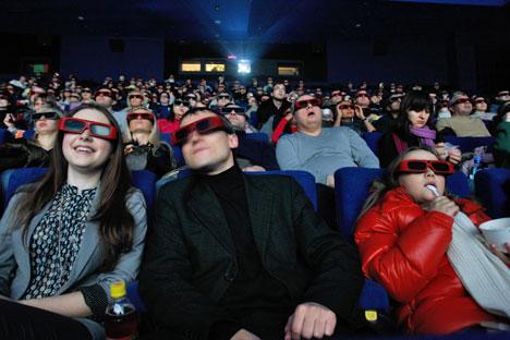 """Projetores 3D mais modernos, usados em filmes como """"Avatar"""", chegaram no ano passado/Foto: Ury Martianov_Kommersant"""