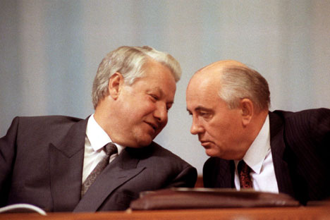 Mikhail Gorbachev (right) and Boris Yeltsin (left).  Source: Itar-Tass
